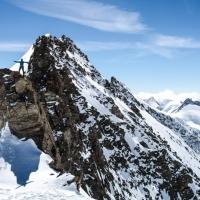 Keni en la arista del Hinter Fiescherhorn (4025m)
